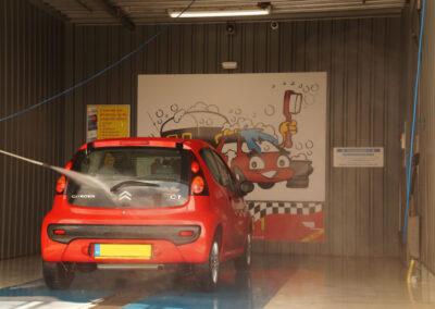 auto schoonspuiten